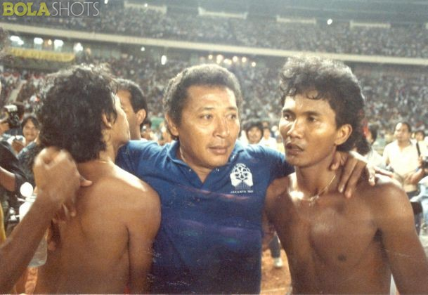 With head coach, the late Mr. Bertje.